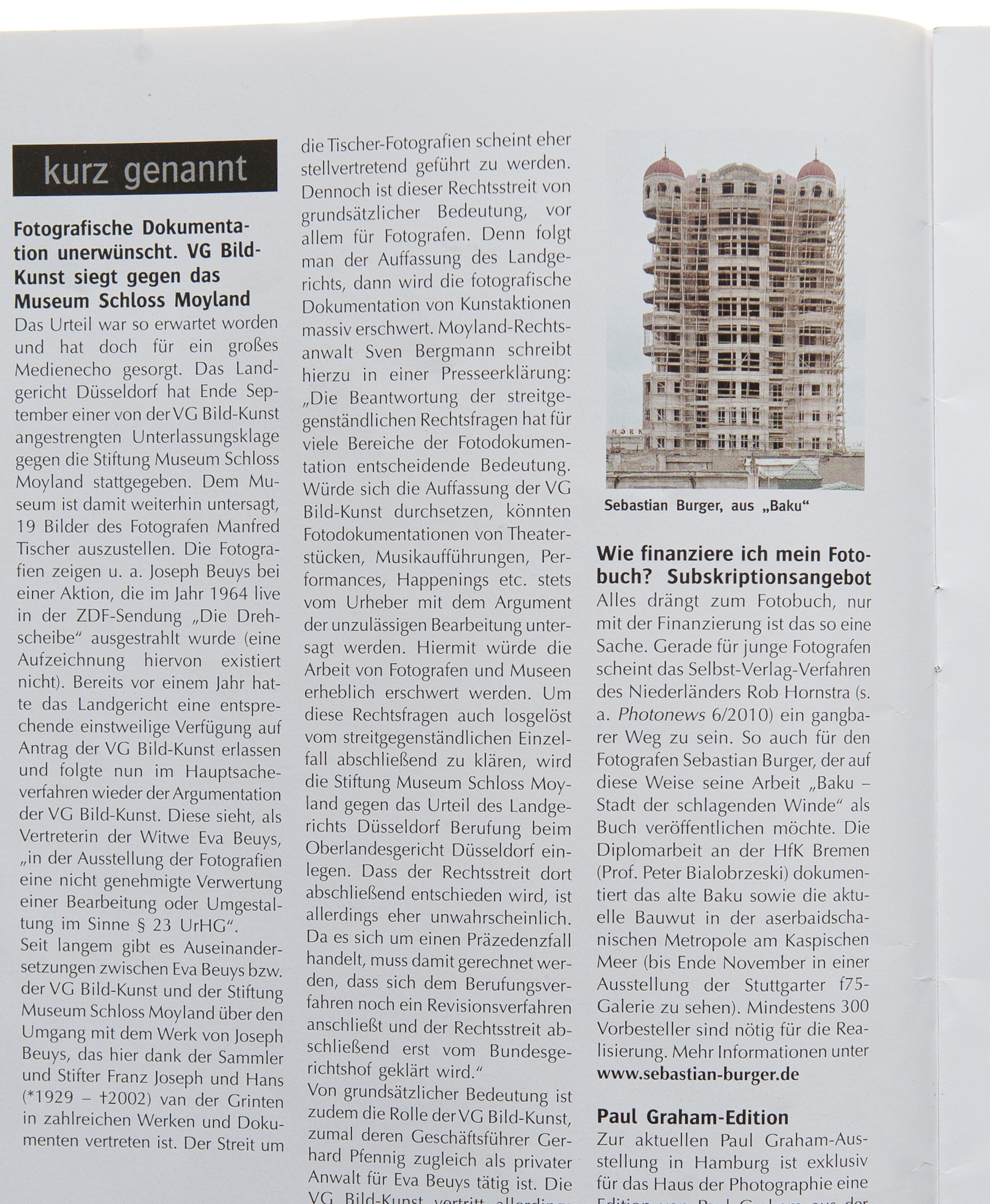 Photo Presse 10/14/2010 about the process of financing the book